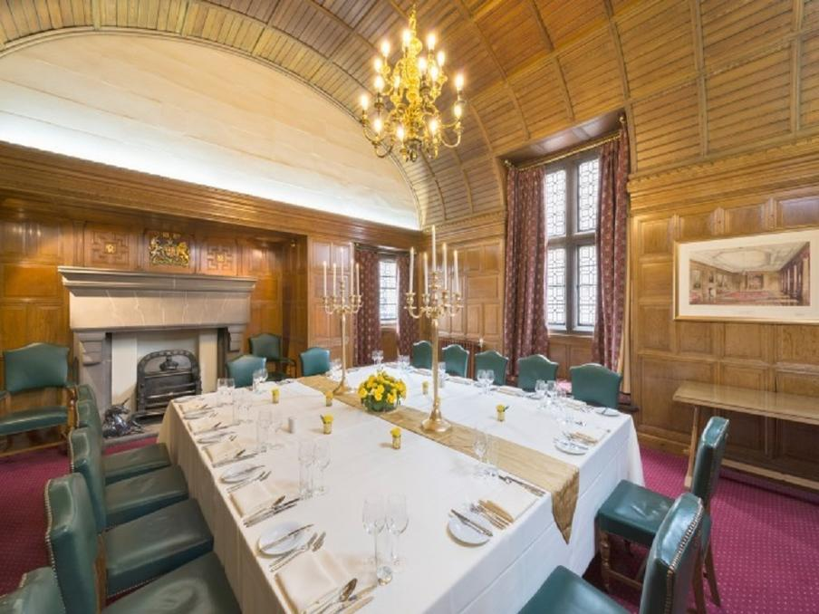 Gatehouse Suite, Dinner 20 People, Private Balcony, City Views, 19th Century, Wood Paneled, Leather Chairs,