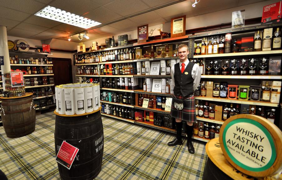 200 malts and a range of blends, spirits, liqueurs and beers from all of the regions across Scotland available in store.