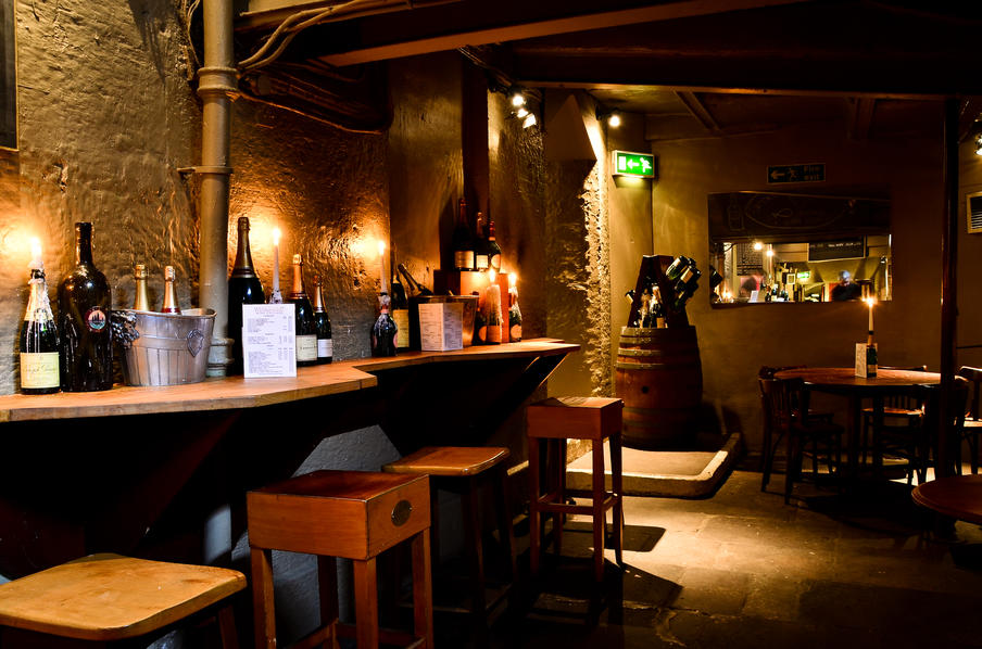 Wines, champagnes and real ales are served in authentic and relaxing surroundings.